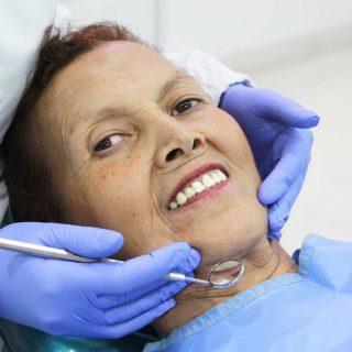 https://clinicaaoi.com/wp-content/uploads/2018/02/Rehabilitacion-implantes-320x320.jpg